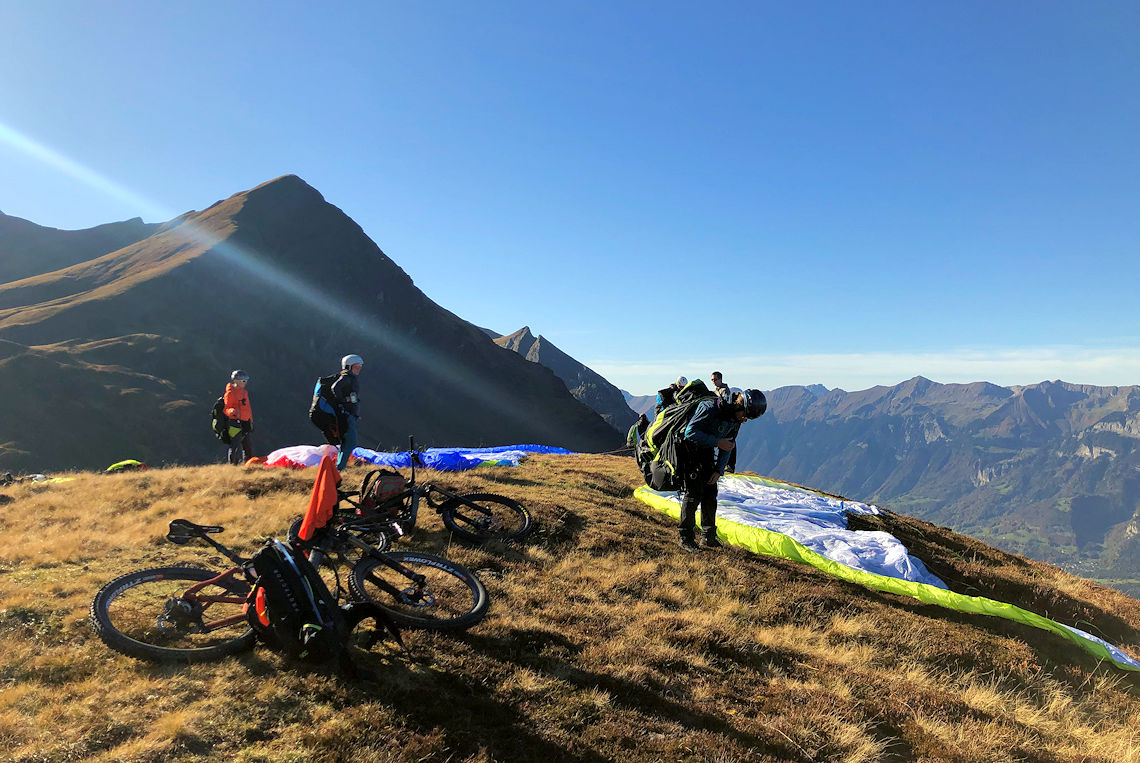 Paraglider im Hochmoor