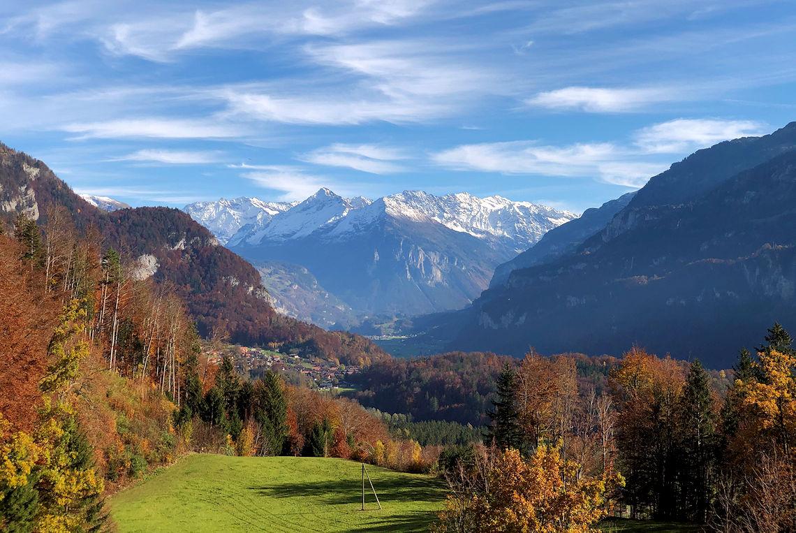 Mountainbike Tour zur Gummenalp - Blick auf Brienzwiler und ins Haslital